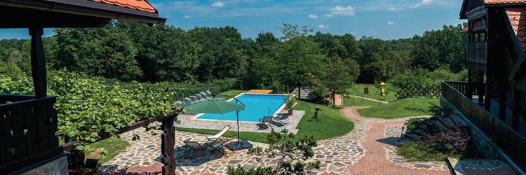 Charmante Ferienhäuser und Villen in unberührter Natur, in der Nähe von Bergregionen und Hügeln von Lika und Gorski Kotar sowie vom kontinentalen Kroatien