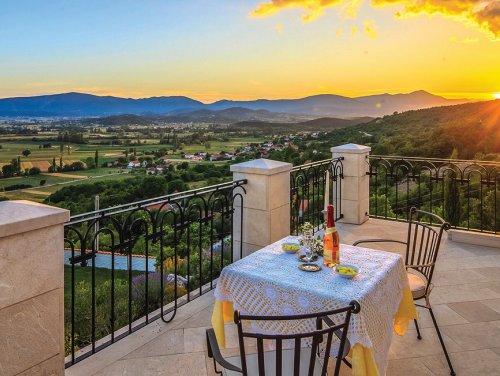 16_Villas-with-nature-view-Dalmatia.jpg