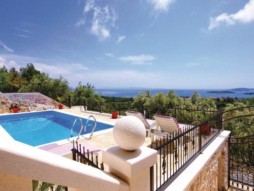 17_Villas-with-seaview-in-Dalmatia.jpg